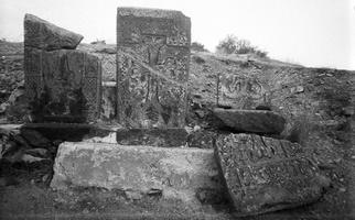 322 armėnų kryžiai prie Sevano