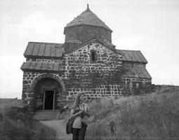 325 Sevanas, bažnyčia, Teresė