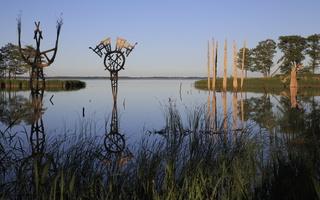 Juodkrantė · Gintaro įlanka, nendrinės skulptūros 3300