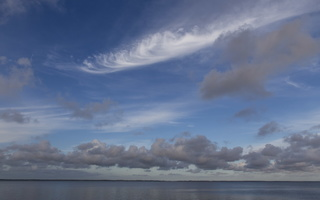 Juodkrantė · marios, debesys 3350