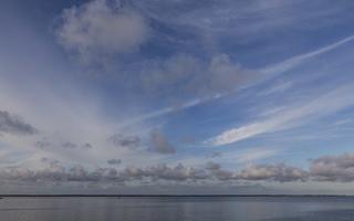 Juodkrantė · marios, debesys 3353