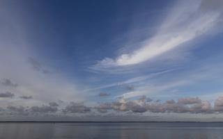 Juodkrantė · marios, debesys 3355