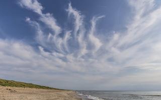 Juodkrantė · jūra, plunksniniai debesys 3510