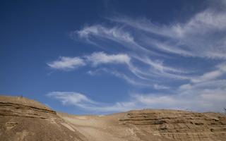 Juodkrantė · kopa, plunksniniai debesys 3516