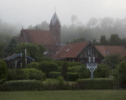 Juodkrantė · bažnyčia, rūkas 1345