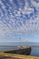 Juodkrantė · marios, molas, debesys 1426