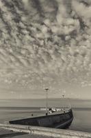 Juodkrantė · marios, krantinė, debesys 1426