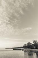 Juodkrantė · marios, krantinė, debesys 1435