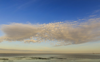 Juodkrantė · marios, debesys 1437