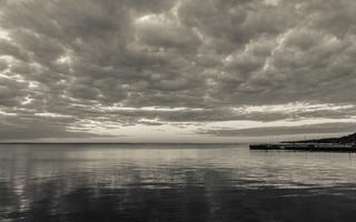 Juodkrantė · marios, debesys 1516