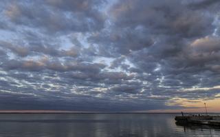 Juodkrantė · marios, debesys, saulėlydis 1518