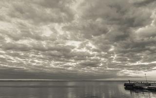 Juodkrantė · marios, debesys 1518