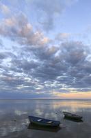 Juodkrantė · marios, valtys, debesys, saulėlydis 1521