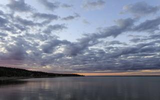 Juodkrantė · marios, debesys, saulėlydis 1524