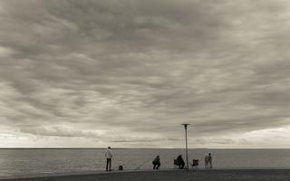 Juodkrantė · marios, krantinė, debesys 1680