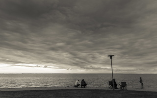 Juodkrantė · marios, krantinė, debesys 1682