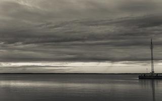 Juodkrantė · marios, krantinė, debesys 1686