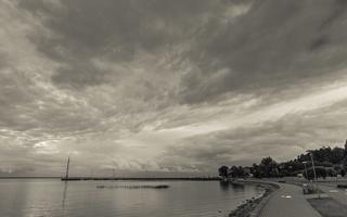 Juodkrantė · marios, krantinė, debesys 1689