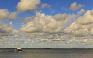 Juodkrantė · marios, debesys, kateris 1760