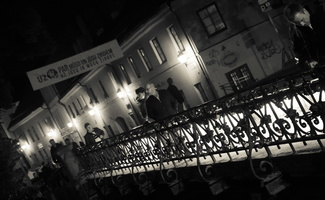 Bernardinų tiltas per Vilnelę naktį 3657