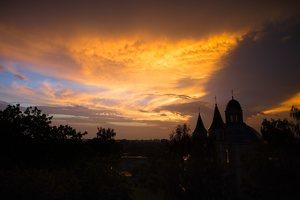 Vilniaus Trinitorių bažnyčia · saulėlydis 0043