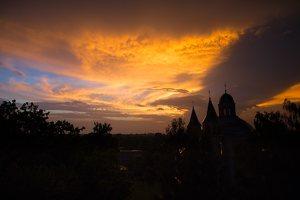 Vilniaus Trinitorių bažnyčia · saulėlydis 0044