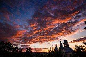 Vilniaus Trinitorių bažnyčia · saulėlydis 8583