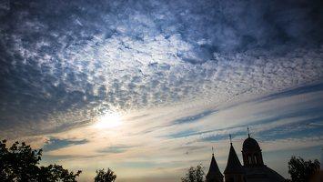 Vilniaus Trinitorių bažnyčia · saulėlydis 9998