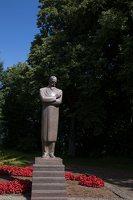 Raudondvaris · paminklas Juozui Naujaliui 9439