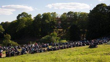 Vytėnai · baikerių stovykla šalia Panemunės pilies 9535