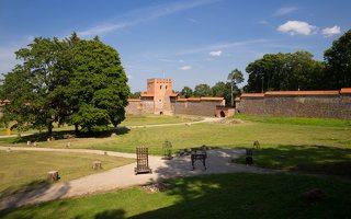 Medininkų pilis · ekspozicija kieme 0335