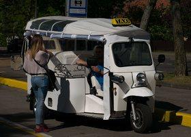 Nida · tuktuk