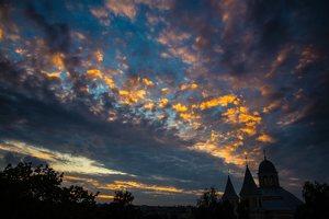Vilniaus Trinitorių bažnyčia · saulėlydis 0906
