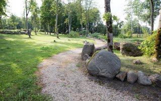 Taujėnų dvaras 4691 · akmenų parkas