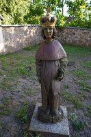 Musninkų Švč. Trejybės bažnyčia 5167 · skulptūra šventoriuje