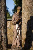 Musninkų Švč. Trejybės bažnyčia 5181 · skulptūra šventoriuje