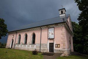Sužionių Šv. Felikso Valua bažnyčia 5200