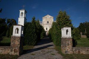 Šumsko Šv. arkangelo Mykolo bažnyčia 5315 · šventorius