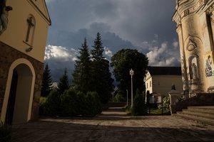 Šumsko Šv. arkangelo Mykolo bažnyčia 5347 · šventorius