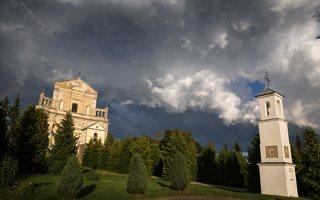 Šumsko Šv. arkangelo Mykolo bažnyčia 5409 · koplytėlė šventoriuje