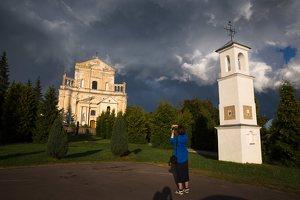 Šumsko Šv. arkangelo Mykolo bažnyčia 5410 · koplytėlė šventoriuje
