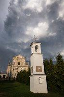 Šumsko Šv. arkangelo Mykolo bažnyčia 5417 · koplytėlė šventoriuje
