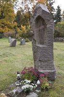 Rykantų Švč. Trejybės bažnyčia · paminklas Janui Kozakui