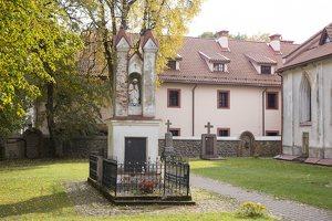 Senieji Trakai · šventorius ir vienuolyno pastatas 6639