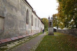 Senieji Trakai · bažnyčios šventorius 6643