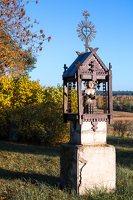 senosios Onuškio kapinės · medinė koplytėlė 6949