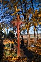 senosios Onuškio kapinės · partizanų kapai 6951