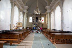 Leipalingio Švč. Mergelės Marijos Ėmimo į dangų bažnyčia · remontuojamas interjeras, centrinė nava 4230