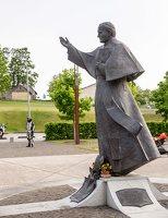 Šiluvos aikštė · paminklas Jonui Pauliui II 0880