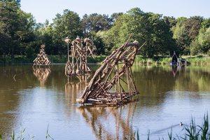 Gintaro įlanka · nendrinės skulptūros 1975